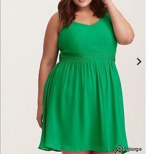NWOTorrid Kelly Green Chiffon Skater Dress.Size 00